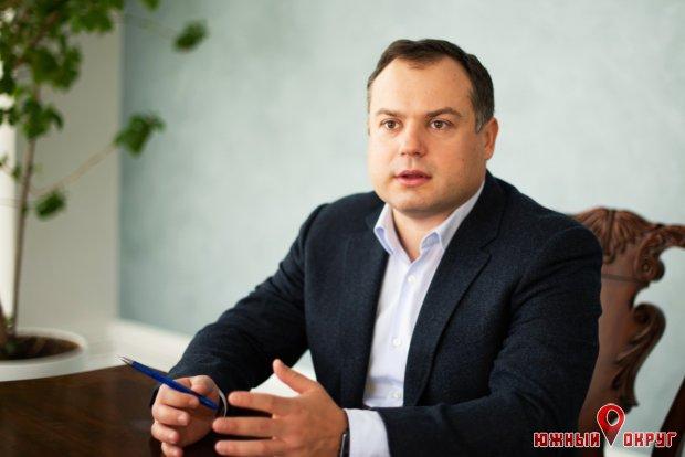 """Виталий Кутателадзе, депутат Лиманского райсовета, директор ООО""""ТИС-Уголь""""."""